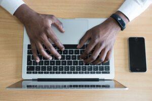 Jak napisać streszczenie pracy?