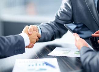 Czy warto jest korzystać z usług doradcy kredytowego